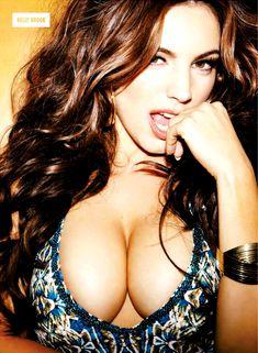 Возбуждающие сиськи Келли Брук в журнале Nuts фото #8