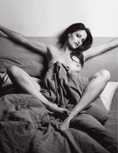Обнажённая грудь Мари Жиллен появилась в журнале Lui фото #10