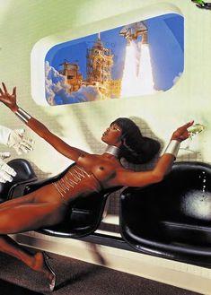 Наоми Кэмпбелл разделась для журнала Playboy фото #11