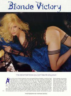 Абсолютно обнажённая Шэнна Моуклер в журнале Playboy фото #1