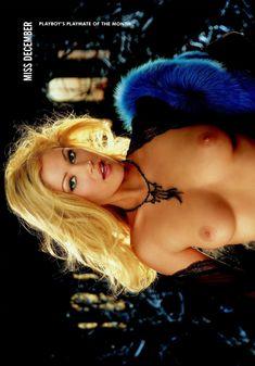 Абсолютно обнажённая Шэнна Моуклер в журнале Playboy фото #8
