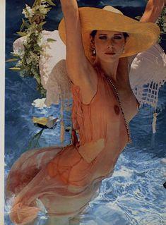 Красотка Сильвия Кристель позирует с голой грудью в журнале Playboy фото #6
