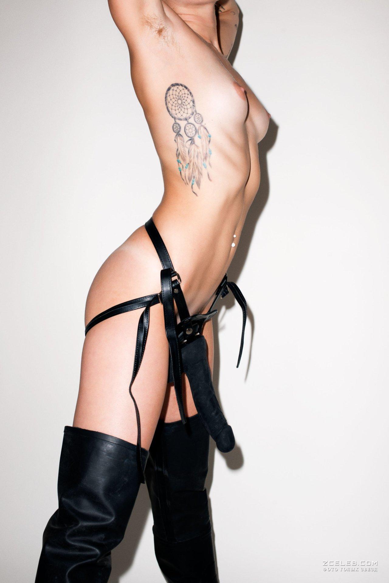Miley Cyrus Boyfriend Cody Simpson Shares Sexy Photo