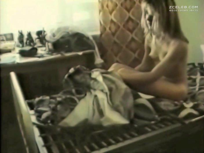 Голая Грудь Александры Куликовой В Грязи – Европа – Азия (2008)