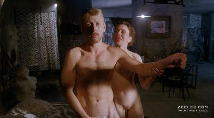 Кадры из художественных кинофильмов с бритьем гениталий