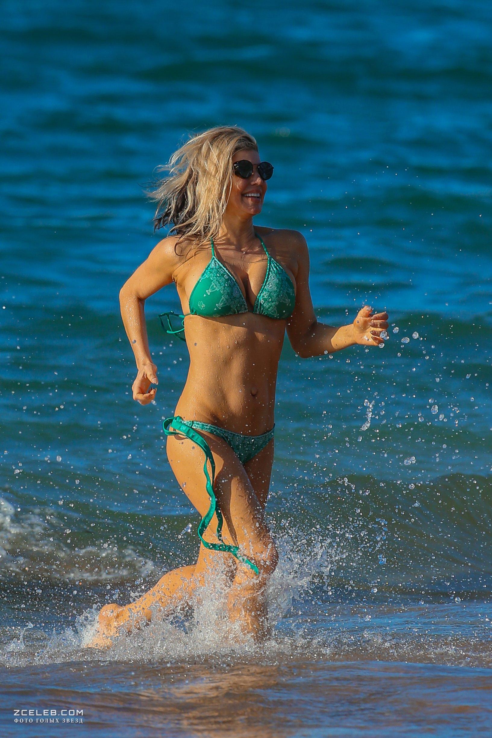 Bootylicious Fergie Caught In Bikini