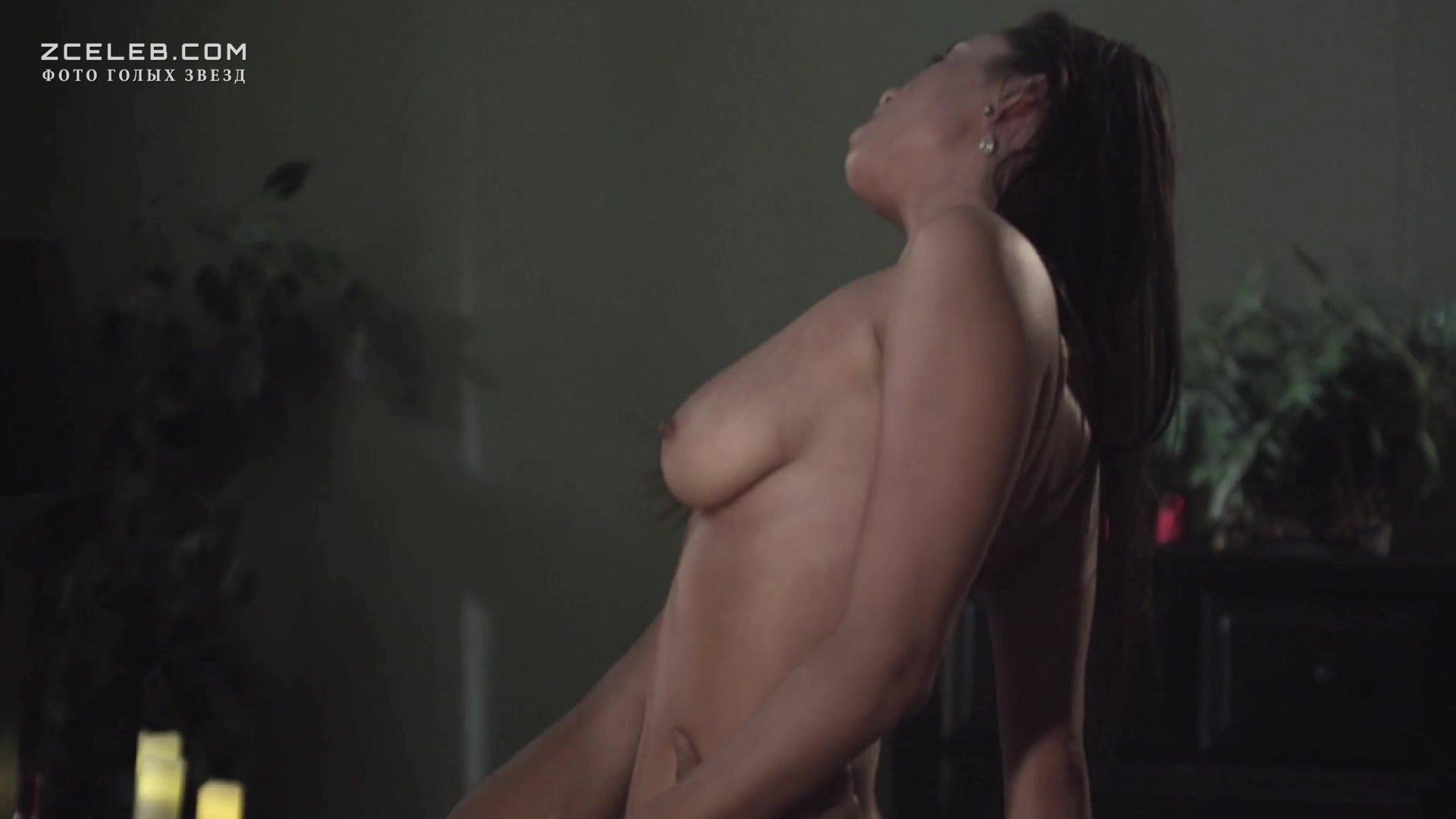 Lena headey nude shows her hairy pussy