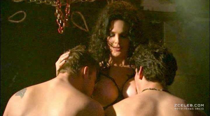 pictures-asissex-julie-strain-bikini-hotel