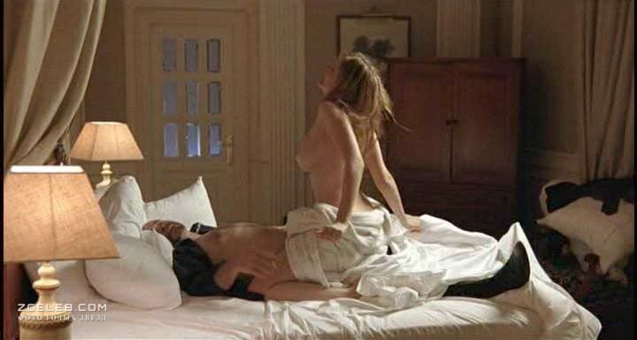 porno-kino-karolina-trahnul-na-zavtrak-video