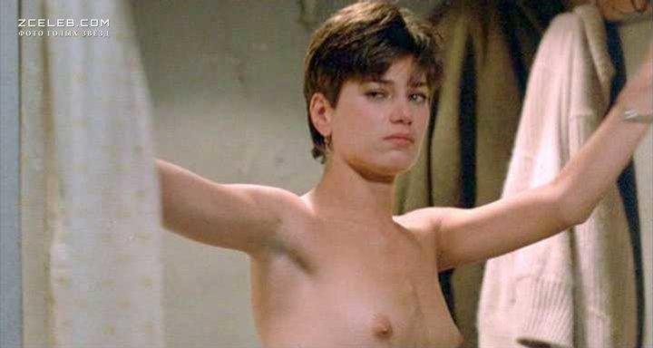 Linda fiorentino naked