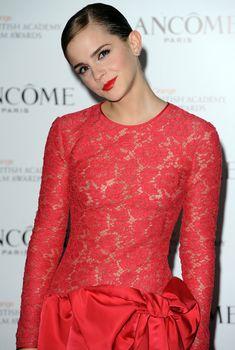 Эмма Уотсон без лифчика на вечеринке перед премией BAFTA, 10.02.2012