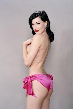Сексуальная Дита фон Тиз в фотосессии Эдриана Грина