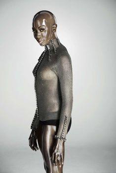 Обворожительное тело Наоми Кэмпбелл в журнале Soon International, 2011
