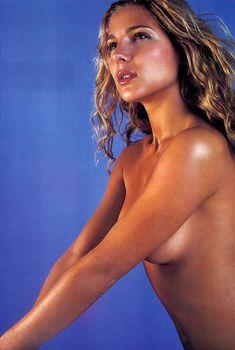 Сексуальная Эльза Патаки в журнале Maxim, Июль 2001