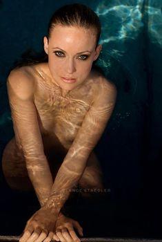 Оливия Уайлд без купальника в фотосессии Ланса Стэдлера, 2007