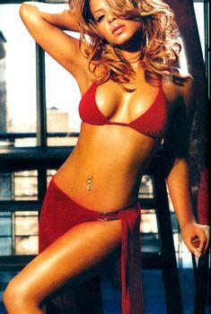 Эротичная Кристина Милиан в журнале FHM, Ноябрь 2004