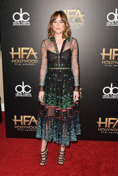Дакота Джонсон засветила соски на премии Hollywood Film, 2015