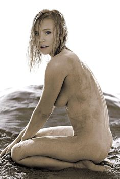 Кристен Белл разделась для журнала Allure, Май 2014