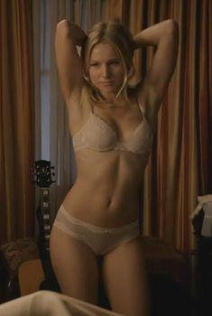 Секс кадры с Кристен Белл в сериале «Обитель лжи», 2012