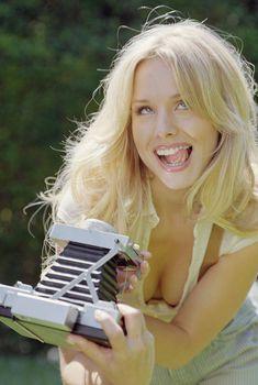 Сексуальная Кристен Белл в фотосессии Rolling Stone & Nylon Mag