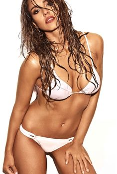 Джессика Альба  позирует в купальнике для журнала Entertainment Weekly, Май 2014