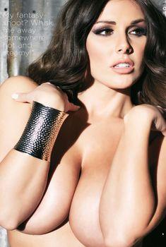 Сочная красотка Люси Пиндер  в журнале The Girls of Nuts, 2014