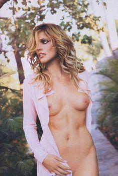 Обнаженная Триша Хелфер  в журнале Playboy, Июнь 2007