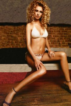 Эротичная Александра Савельева в журнале Maxim, 2005