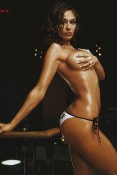 Сексуальная Алена Водонаева в журнале «Максим», 2005