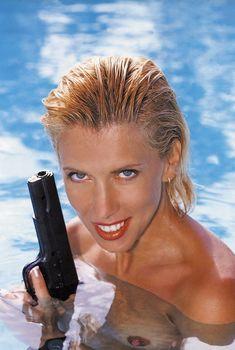 Алена Свиридова показала голую грудь в Playboy, 1999