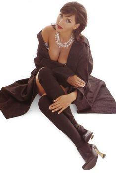Алика Смехова в эротической фотосессии для Playboy, 1996