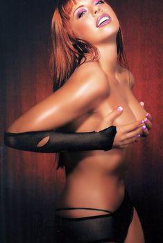 Анастасия Стоцкая без лифчика в журнале Maxim, 2004