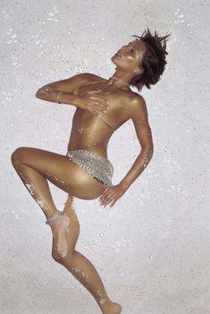 Эротичная Виктории Бекхэм в фотосессии James Dimmock