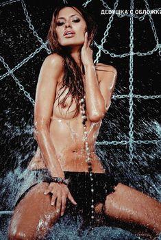 Голые сиськи Виктории Бони в журнале Playboy, 2010