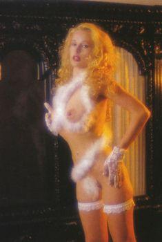 Голые сиськи Елены Кондулайнен в журнале Penthouse, 1993