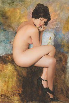 Обнаженная Елена Перова в журнале «Караван историй», 2007
