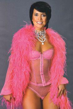 Жанна Фриске в эротическом белье для Penthouse, 2004