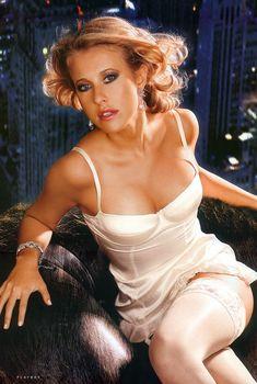 Эротичная Ксения Собчак в журнале Playboy, 2006