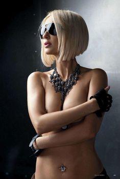 Лера Кудрявцева засветила сосок в журнале Playboy, 2012