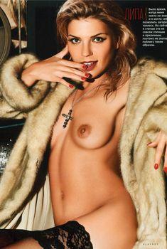 Липа показала голые сиськи в журнале Playboy, 2006