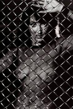 Лолита Милявская засветила грудь в журнале Playboy, 2002