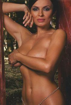 Сочная грудь Надежды Грановской в журнале Maxim, 2009