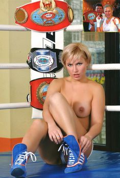 Голые сиськи Натальи Рагозиновой в журнале Penthouse, 2007