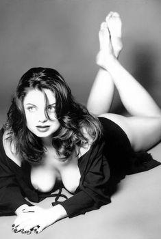 Голые сиськи Наташи Королёвой в журнале Playboy, 1997