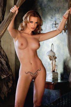 Полностью голая Ольга Родионова в журнале Playboy, 2011