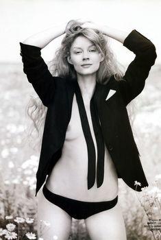 Голые сиськи Светланы Ходченковой в журнале Playboy, 2008