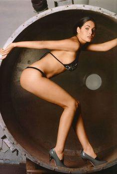 Юлия Снигирь в нижнем белье для журнала FHM, 2009
