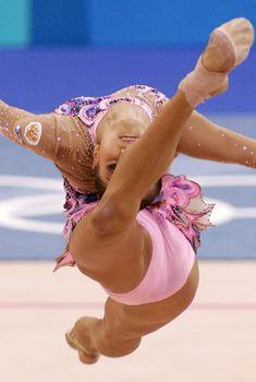 Красотка Ирина Чащина демонстрирует супер растяжку на чемпионатах
