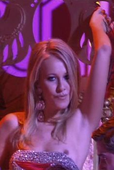 Ксения Собчак засветила грудь на мюзекле «Призрак мыльной оперы», 2007