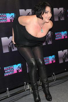 Пышногрудая Лолита Милявская на церемонии «Russia Music Awards», 2008